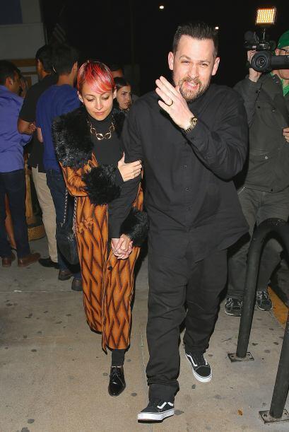 La diseñadora de modas nunca soltó del brazo a su galán.