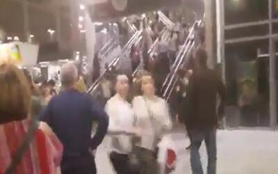 En video: Pánico tras la explosión en el concierto de Ariana Grande; al...