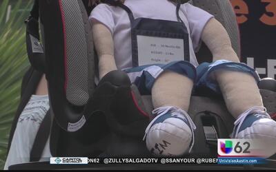 Asegurar a sus hijos en el asiento trasero