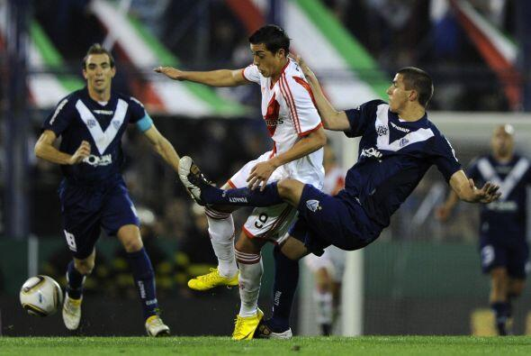 River Plate perdió su invicto al caer en la quinta fecha con V&ea...