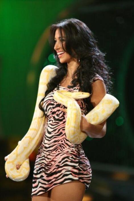 Una enorme serpiente fue la que le tocó a Valeria Moreno.