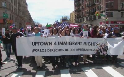 Protestan en las calles de Nueva York contra las políticas de inmigració...