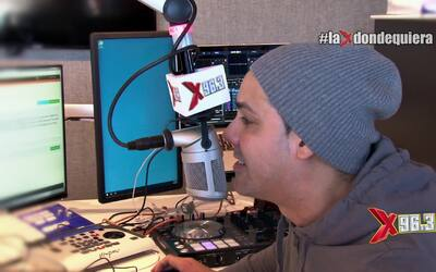 """Daddy Yankee y Natti Natasha hablan de """"Otra Cosa"""" junto a Joel Santiago."""