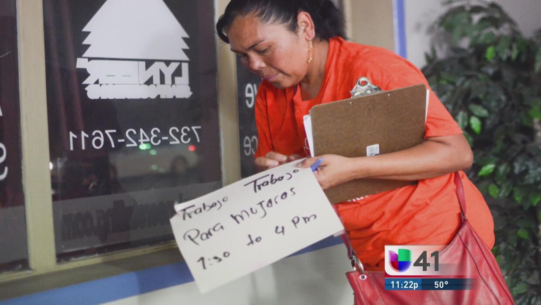 Empresas responden ante acusación de discriminación a hispanos