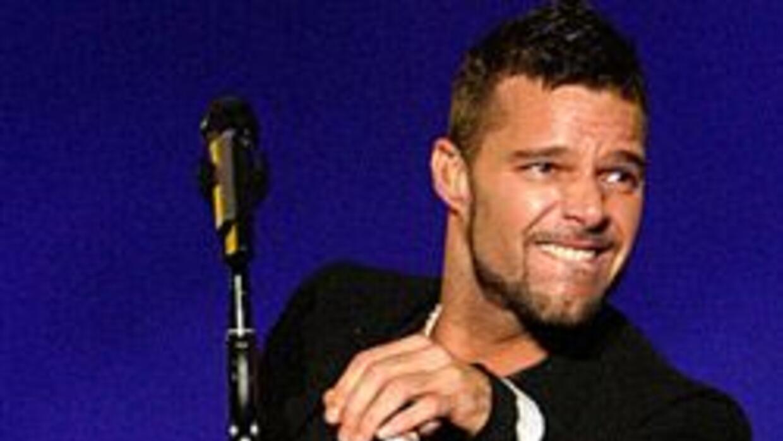 Fotografías de contenido sexual no corresponde a Ricky Martin 5135bbd8ef...
