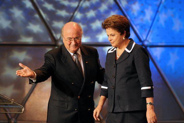 Pero Blatter, rapidamente, le dio la bienvenida a la presidenta del Bras...