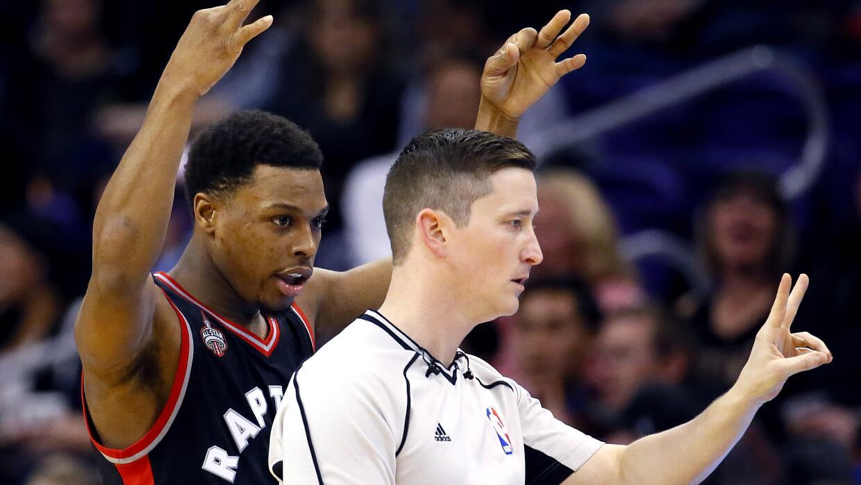 Lowry embocó cinco triples, como parte de su contribución de 26 puntos.