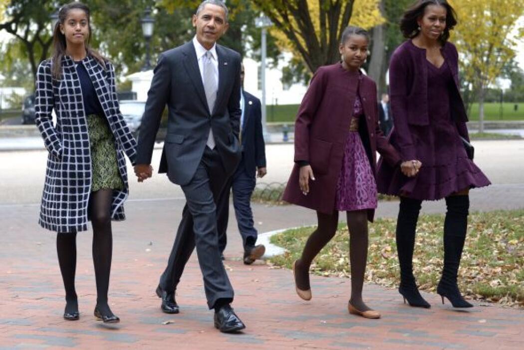 Como una familia unida, los Obama disfrutaron de un domingo en la Iglesia.
