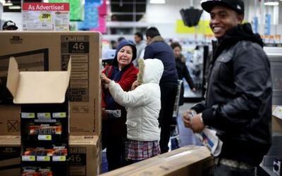 El 49% de los estadounidenses se sienten mejor sobre su situación financ...