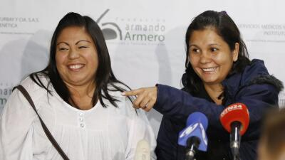 Dos hermanas se reencuentran luego de 30 años hermanas.jpg