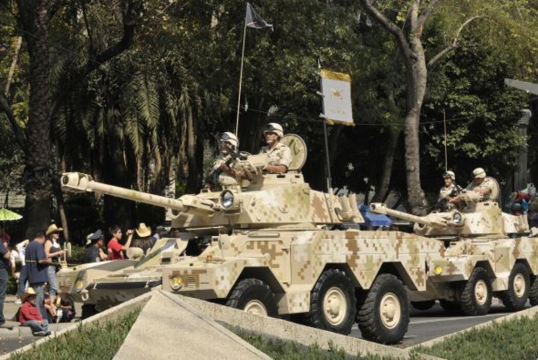 Esta vez, con motivo del centenario el desfile fue mayor de lo acostumbr...