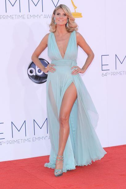 ¡Heidi Klum le sabe sacar partido a cualquier color o tipo de vestido!...