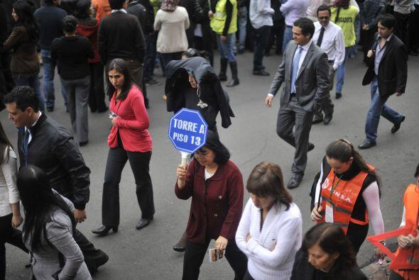 En Colombia, al menos dos millones 457 mil personas participaron en el e...
