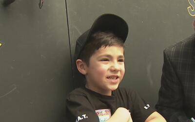 Equipo SWAT de Sacramento cumple el sueño de un pequeño de cinco años