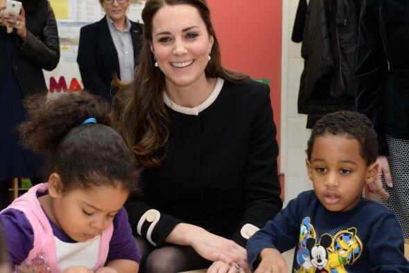 Y como Kate está muy comprometida con la causa, tanto en su pa&ia...