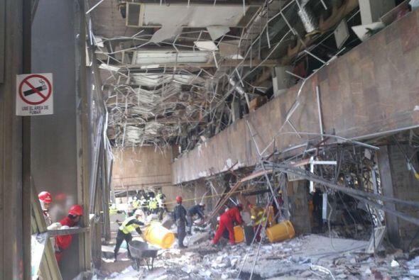 Así quedó el interior de la torre B2 del complejo administrativo de Pemex.