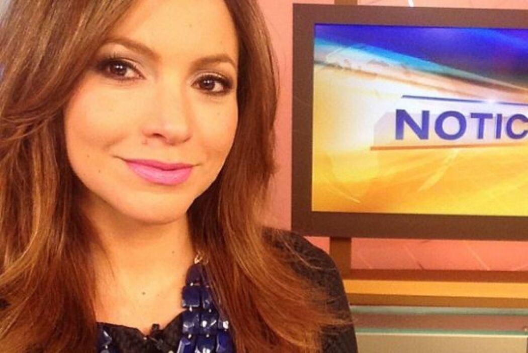 """""""Es #dia de #selfies en @despiertaamericatv Aquí está la mía. Esperamos..."""