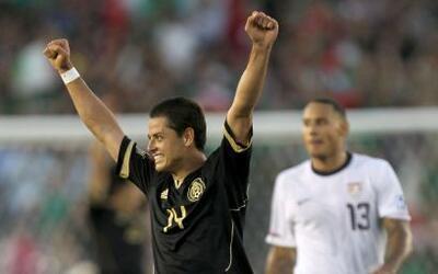 El 'Chicharito' no metió gol, pero dio un muy buen partido con todos los...