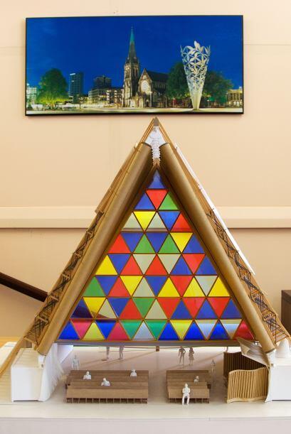 Así pues, una estructura de cartón resulta menos destructiva que una de...