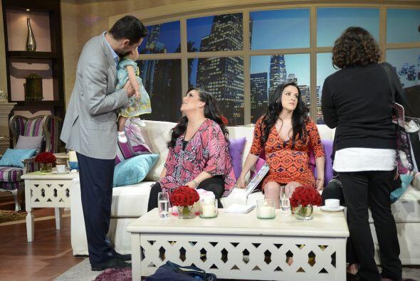Entre corte y corte, Angélica Vale, Jacqueline Bracamontes, Luz E...