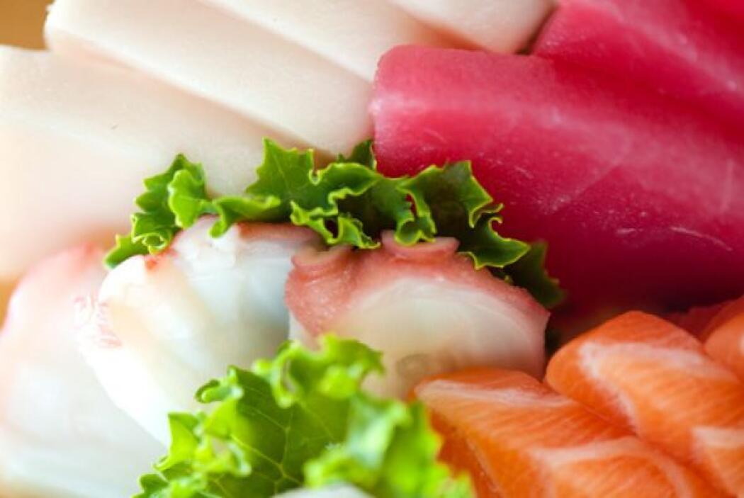 """El nombre de los palillos para comer sushi es """"hashi"""", y el platito para..."""