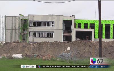 Escuela preparatoria de Manor construye una nueva escuela