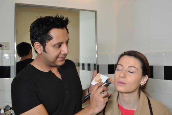 Recuerden que el maquillaje que van a usar debe ser apropiado para el ev...