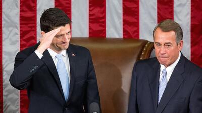 Paul Ryan junto a John Boehner
