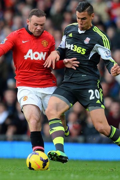 Wayne Rooney empató el partido en el 32 de la segunda parte.