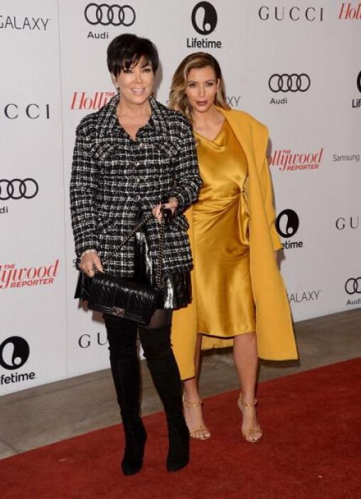 Kim llegó acompañada de su madre, representante y artífice de su fama, K...