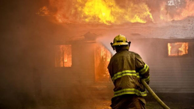 Un fuego dejó a tres perros muertos y daños por cerca de $10,000; sin em...