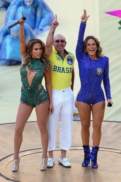 En junio el Mundial de futbol llevó a los famosos a Brasil. JLo, Pitbull...