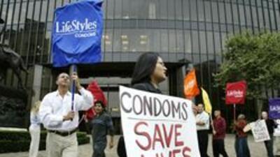 Activistas buscan redactar propuesta legislativa para la industria porno...