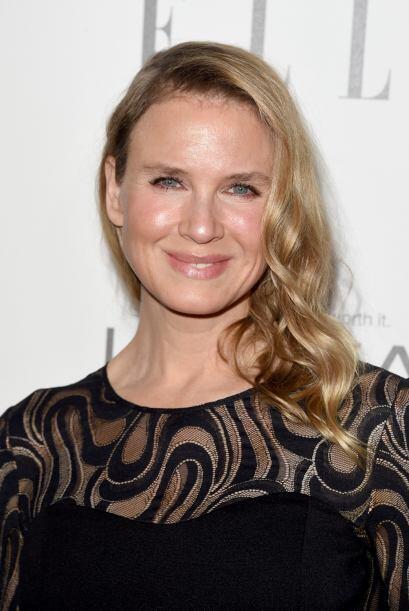 La actriz de 45 años transformó completamente su rostro y muchos opinan...
