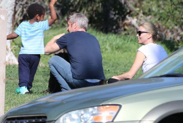 No nos cansamos de ver como Sean muestra tanto amor por el hijo de Charl...