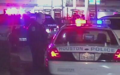 Mujer fue arrestada tras protagonizar una persecución en un auto robado