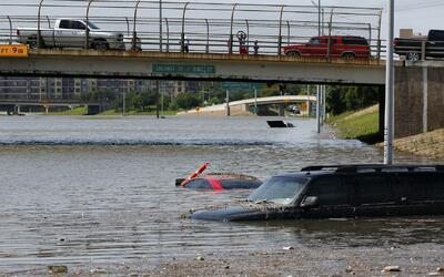 Severas inundaciones afectan a la ciudad de Houston