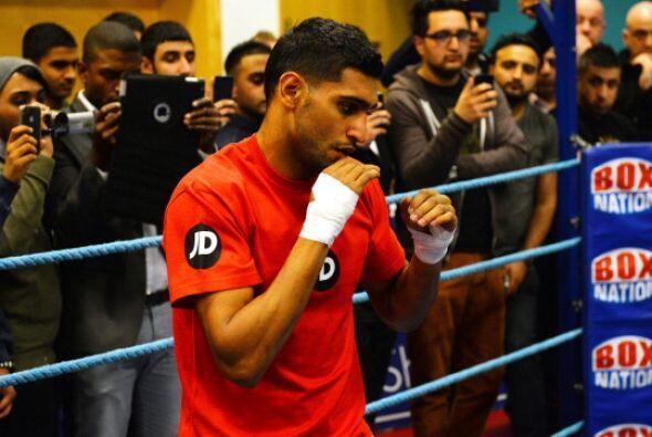 El objetivo de Khan es vencer a Díaz y después disputar el título superl...