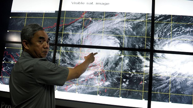 Filipinas bajo el tifón Koppu.