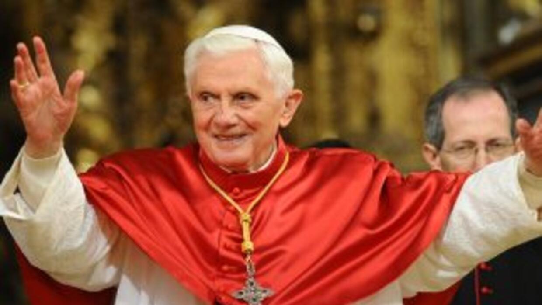 La presencia de Benedicto XVI en Santiago, antes de viajar a Barcelona,...