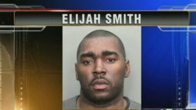 Elijah Smith está acusado de darse a la fuga tras causar un accidente co...