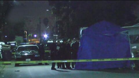Buscan al sospechoso de asesinar a un hombre hispano en una calle de Watts