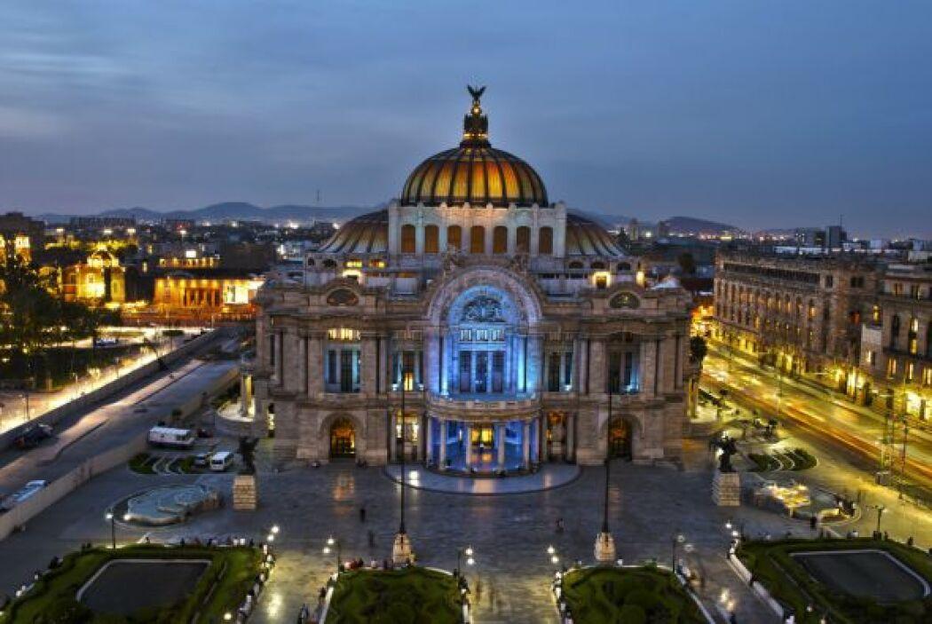 El Palacio de Bellas Artes, Ciudad de México - El 2 de abril todos los...