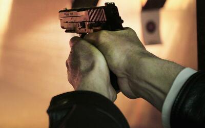 Autoridades encuentran muerto a hombre que se atrincheró en residencia d...