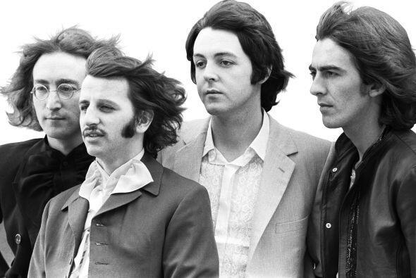 El comité quiso enviar en el disco la canción Here Comes The Sun de los...