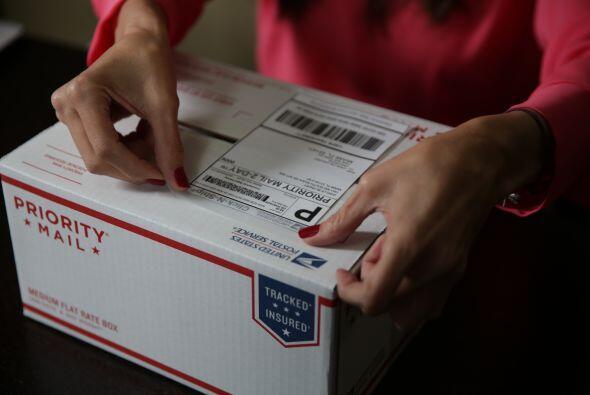 Después imprimo la etiqueta que debe llevar la caja para llegar a...