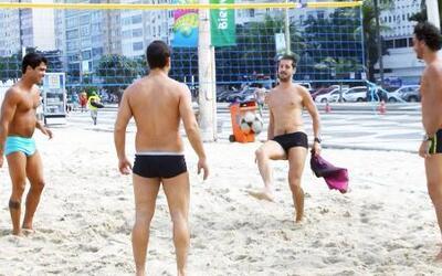 Footvolley, uno de los deportes más sexys de Brasil