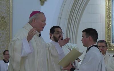 La Diócesis de Dallas le dio la bienvenida oficial al nuevo obispo, Edwa...