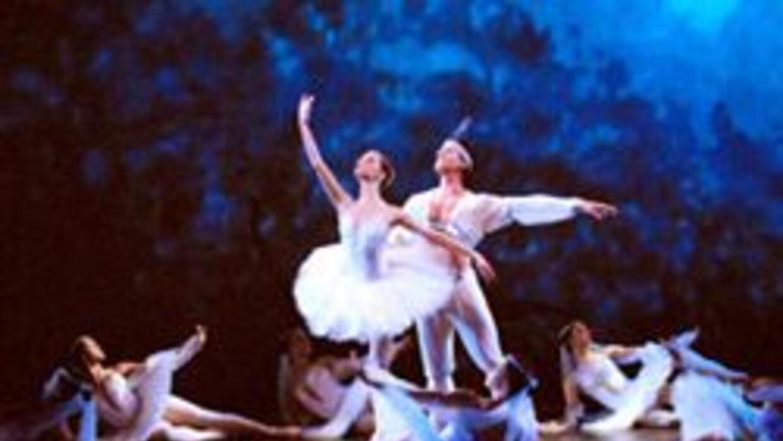 Ballet Concerto: cultura en el exilio. Dedicado a formar bailarines sóli...