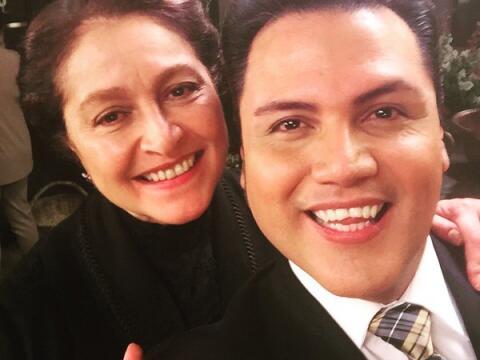 Auri se fue al set de la nueva serie de Univision en México y muy...
